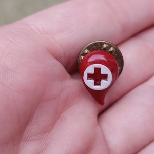 Jewelry - Vintage American Red Cross pin
